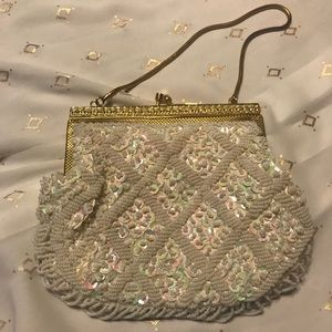 Handbags - 🎄Vintage IVORY BEADED PURSE-great Christmas gift